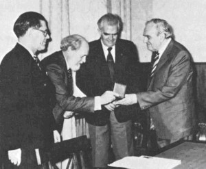 Presentation of Mannerfelt Medal to Professor Salichtchev, Moscow 1981. From right to left, Salichtchev, Komkov, Ormeling and Hedbom